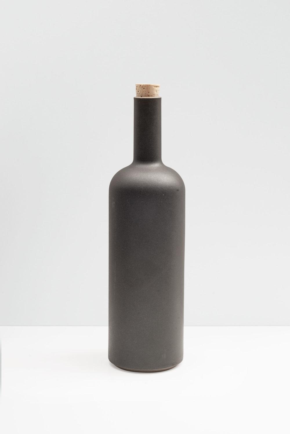 Hasami Porcelain Bottle in matte black