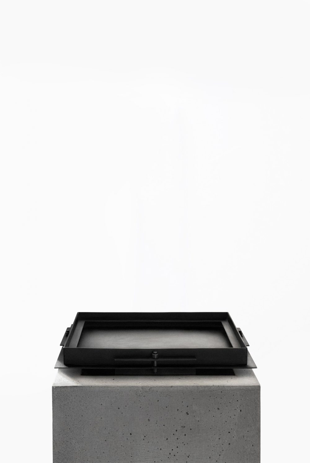 Sizar Alexis Pilier Blackened Steel Tray Large
